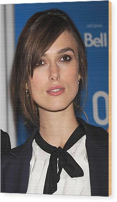 Keira Knightley At The Press Conference Wood Print by Everett