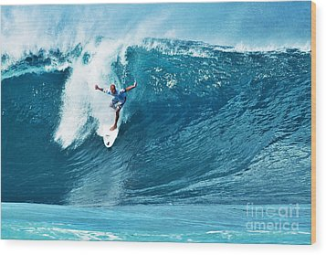Kelly Slater At Pipeline Masters Contest Wood Print by Paul Topp