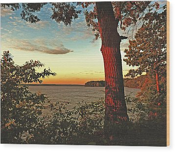 Wood Print featuring the photograph Kentucky Lake Sunrise by William Fields