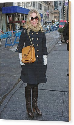 Kristen Bell Out And About For Sun Wood Print by Everett