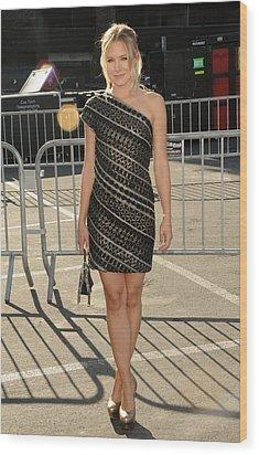 Kristen Bell Wearing An Etro Dress Wood Print by Everett