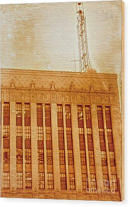 La Radio Tower Wood Print by Gregory Dyer