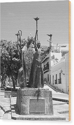 La Rogativa Sculpture Old San Juan Puerto Rico Black And White Wood Print by Shawn O'Brien