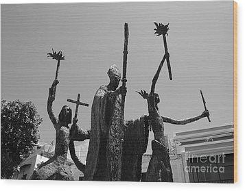 La Rogativa Statue Old San Juan Puerto Rico Black And White Wood Print by Shawn O'Brien