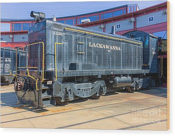 Lackawanna Locomotive 426 Wood Print by Clarence Holmes