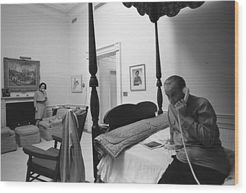 Lady Bird And President Johnson Taking Wood Print by Everett