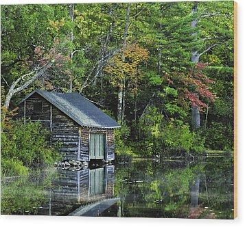 Wood Print featuring the photograph Lake Chocoura Boathouse by Betty Denise