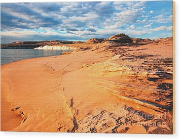 Lake Powell Serenity Wood Print by Thomas R Fletcher