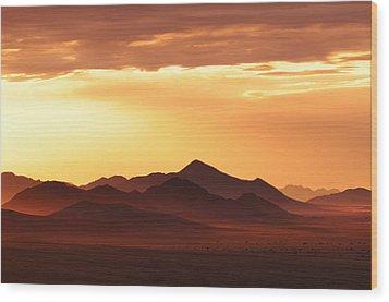Land Of Sand Wood Print by Christian Heeb