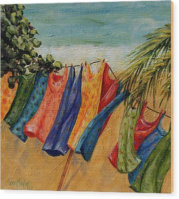 Laundry Day At The Beach Wood Print