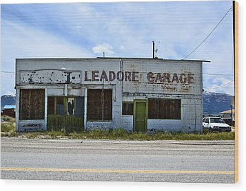 Leadore Garage Wood Print