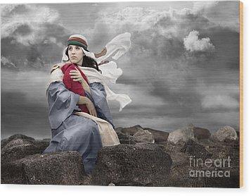 Leaving Bethlehem Wood Print by Cindy Singleton