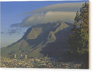 Lenticular Cloud Over Table Mountain Wood Print by Gordon Wiltsie