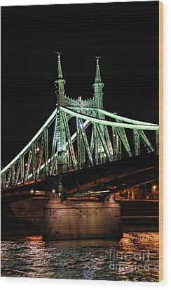 Liberty Bridge At Night Wood Print by Mariola Bitner