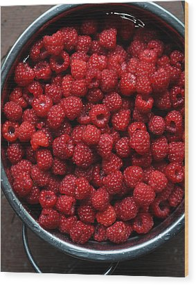 Life Is A Bowl Of Raspberries Wood Print by Ronda Broatch