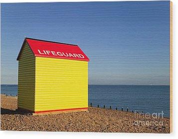 Lifeguard Hut Wood Print by Richard Thomas