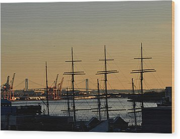 Light Before Sunset From The Brooklyn Bridge Wood Print by Diane Lent