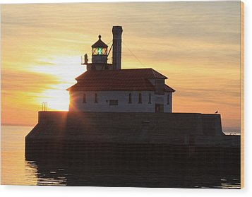 Lighthouse At Dawn Wood Print by Rick Rauzi