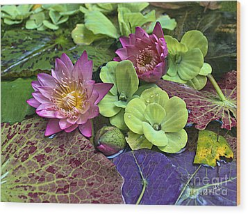 Wood Print featuring the photograph Lilies No. 33 by Anne Klar