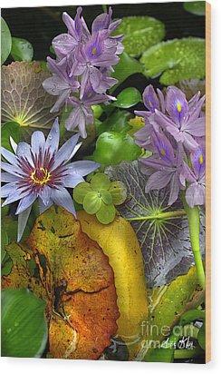 Lillies No. 6 Wood Print by Anne Klar