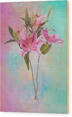 Lily 322a Wood Print