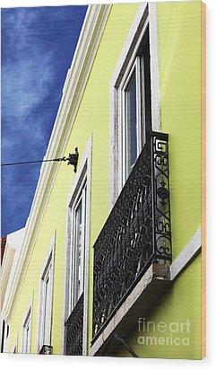 Lisboa Colors Wood Print by John Rizzuto