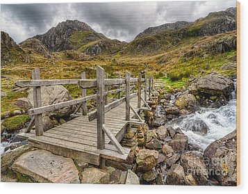 Llyn Idwal Bridge Wood Print by Adrian Evans