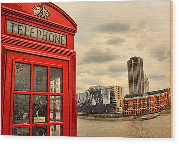London Calling Wood Print by Jasna Buncic