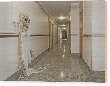 Long Hallway In 1927 Building Wood Print by Douglas Orton