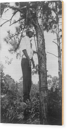Lynched African American Man Hanging Wood Print by Everett