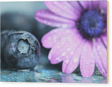 Macro Shot Of A Blueberry Wood Print by Sandra Cunningham