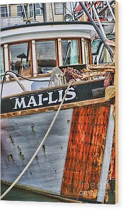 Mai-lis Tug-hdr Wood Print by Randy Harris