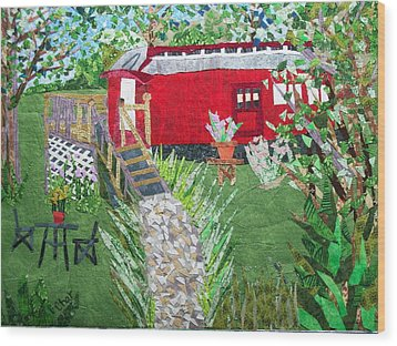 Mail Car Guest House At Lacaboose B And B Wood Print by Charlene White