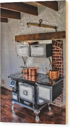 Majestic Stove No. 1 Wood Print by Susan Candelario
