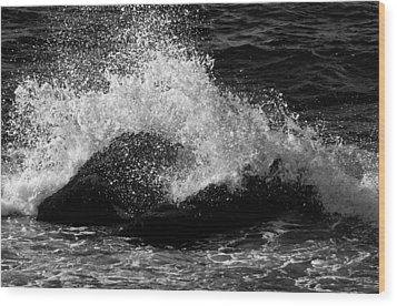 Wood Print featuring the photograph Making Waves by Nancy De Flon