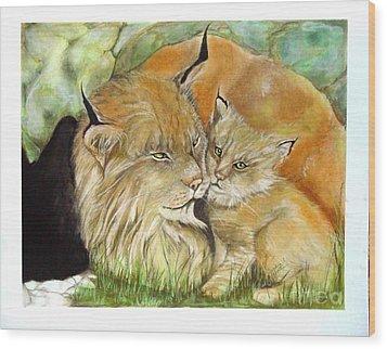 Mama And Baby Lynx Wood Print by Sandra Valentini