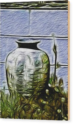 Mamas Old Vase Wood Print