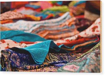 Market Colors In Mauritius Wood Print by Renata Apanaviciene