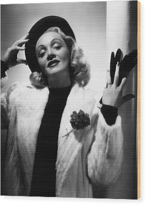 Marlene Dietrich, Ca. Early 1940s Wood Print by Everett