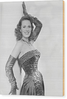 Maureen Ohara, Circa 1954 Wood Print by Everett