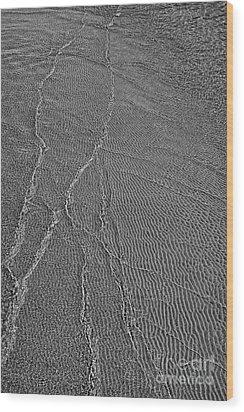 Meeting Point - Black And White Wood Print by Hideaki Sakurai