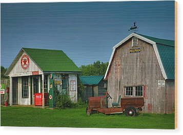Mementos From The Past I Wood Print by Steven Ainsworth