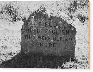 memorial stone for the dead english on Culloden moor battlefield site highlands scotland Wood Print by Joe Fox