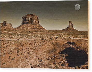 Merrick Butte Wood Print by Ray Devlin