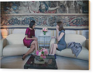 Michelle Obama With Carla Bruni-sarkozy Wood Print by Everett