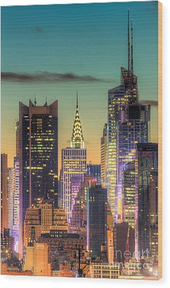 Midtown Buildings Morning Twilight Wood Print by Clarence Holmes