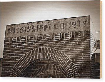 Missco High School In Arkansas Wood Print by KayeCee Spain