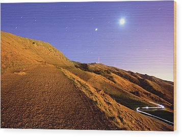 Mission Peak At Dawn Wood Print by Sean Duan