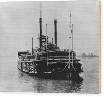 Mississippi Steamboat, 1926 Wood Print by Granger