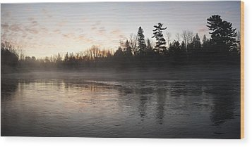Mist Over The Mississippi Wood Print